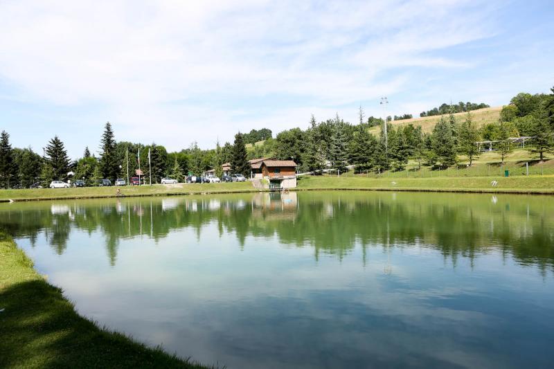 Lago da pesca sportiva dell 39 agriturismo la ramiera a for Vendita pesci per laghetto